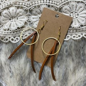 Ring and strap gold and tan leather earrings